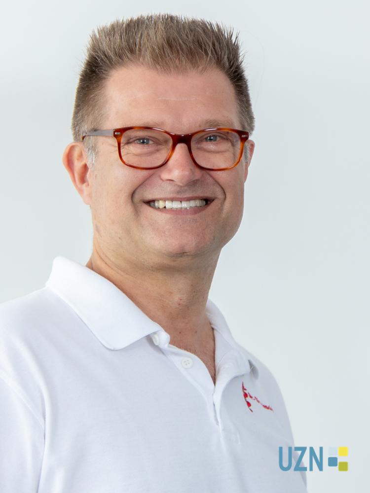 Dr. med. Christoph Peschkes
